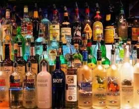 Алкогольные подарочные наборы станут хорошим сюрпризом для мужчин фото
