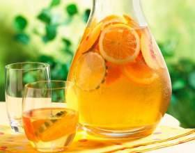 Апельсиновый морс в кувшине фото