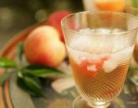 Ароматная персиковая наливка совими руками фото