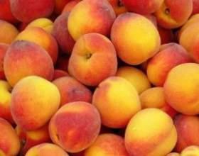 Ароматный и густой персиковый сок фото