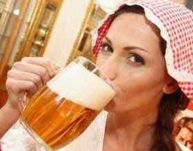 Как различить симптомы пивного алкоголизма у женщин? фото