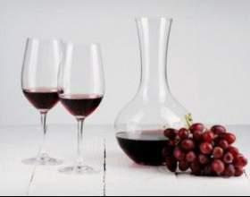 Декантация и другие особенности подачи вина на стол фото