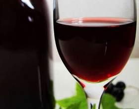 Домашнее вино из варенья черной смородины фото