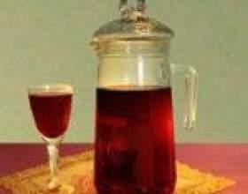 Домашнее вино из забродившего варенья или компота фото
