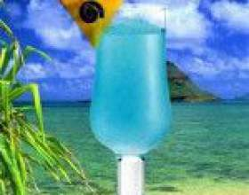 Голубые гавайи – частичка тропиков в бокале фото