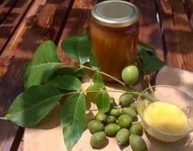 Готовим настойку из зеленого грецкого ореха фото