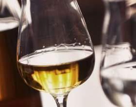 Итальянская виноградная водка фото