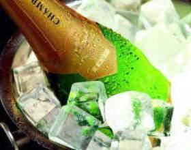 Как быстро охладить шампанское фото