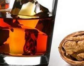 Как готовится настойка из перегородок грецкого ореха фото