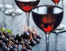 Как приготовить вино из черноплодной рябины: домашние рецепты фото