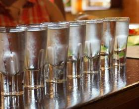 Как сделать хорошую домашнюю водку из спирта фото