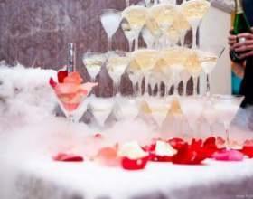 Как сделать пирамиду из шампанского на свадьбу фото