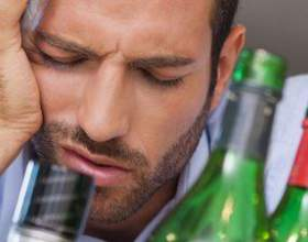 Как снять похмельный синдром – что должно быть в домашней аптечке? фото