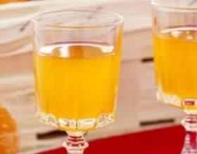 Ликер из мандаринов – лучистое солнце в граненом бокале фото