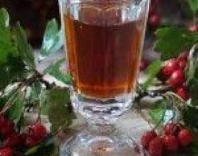 Наливка из ягод боярышника на водке фото