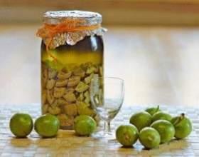Настойка из грецкого ореха на спиртовой основе фото