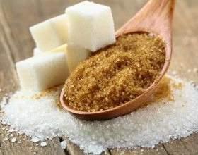 Особенности приготовления сахарной браги: как ускорить брожение фото