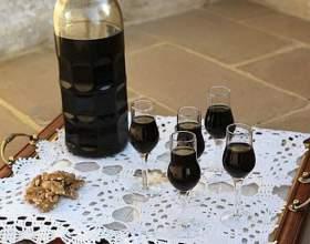 Приготовление настойки самогона на грецких орехах фото