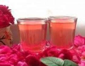 Простая настойка из лепестков чайной розы фото