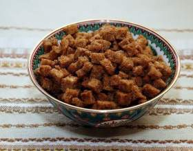 Простые рецепты домашних сухариков в духовке фото