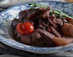 Рецепт: кролик в красном вине фото