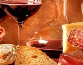 С чем пьют красное вино – общепринятый этикет фото