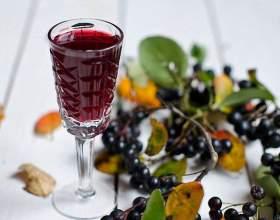 Спиртовая настойка на черноплодной рябине фото