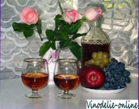 Вино из лепестков роз фото