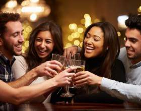 Зачем люди пьют алкоголь: психологические причины фото