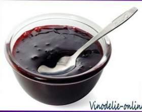 Желе из черной смородины и красного вина фото