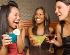 Женщины почти догнали мужчин по числу потребляемого спиртного фото