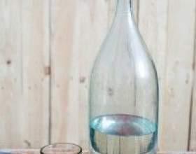 Как сделать домашний самогон более мягким: очистка молоком фото