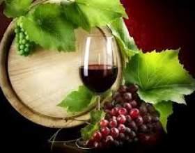 Полусухое вино фото