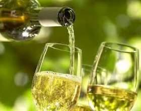 Вино из крыжовника фото
